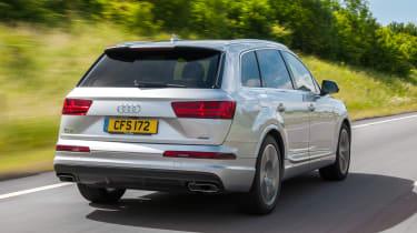 Audi Q7 S Line rear tracking