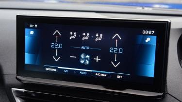 Peugeot 3008 SUV climate control