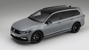 VW Passat Estate R-Line Edition front/side