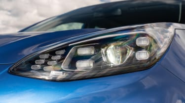 Kia Sportage SUV headlights