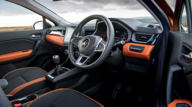 Renault Captur SUV steering wheel