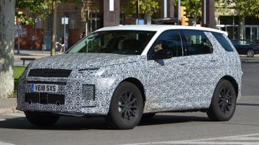2019 Land Rover Discovery Sport front spy shot