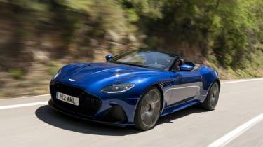 Aston Martin DBS Superleggera Volante tracking