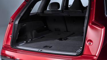 Audi Q7 SUV facelift boot