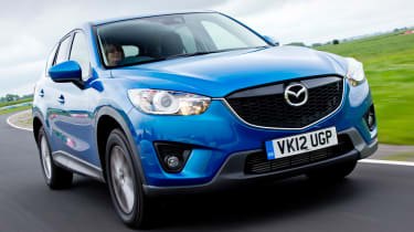Mazda CX-5 front quarter tracking