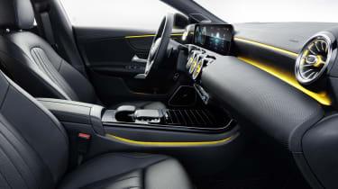 2019 Mercedes CLA Shooting Brake - interior side