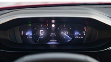Peugeot 308 SW estate instrument panel