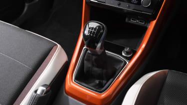 Volkswagen T-Cross SUV gearlever