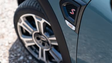 Facelifted 2020 MINI Countryman Cooper S - alloy wheels
