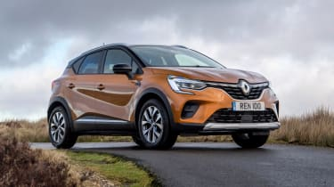 Renault Captur SUV front 3/4 static