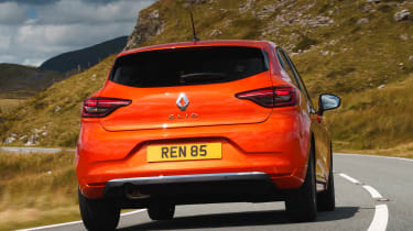 2019 Renault Clio - 3/4 rear dynamic view