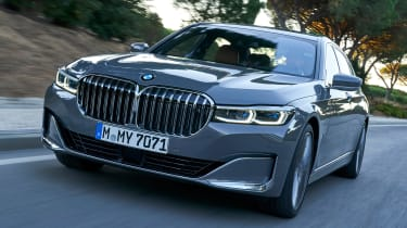 BMW 7 Series saloon nose action