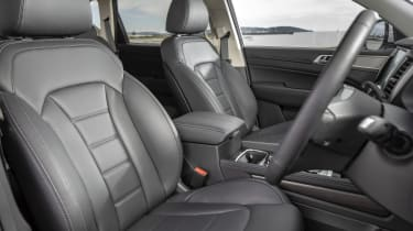 2019 SsangYong Rexton ICE special edition - Front seats