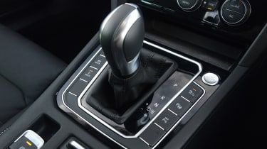 Volkswagen Passat GTE Estate gearlever