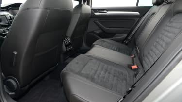 vVolkswagen Passat GTE - rear seats