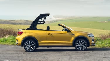 Volkswagen T-Roc Cabriolet side view - roof opening