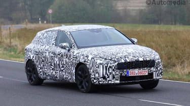SEAT Leon 2019 tracking spy shot