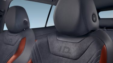 Volkswagen ID.4 SUV front headrests
