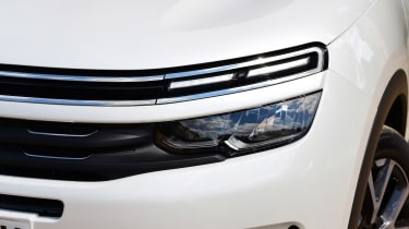 Citroen C5 Aircross SUV headlights