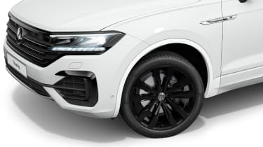 Volkswagen Touareg Black Edition front end