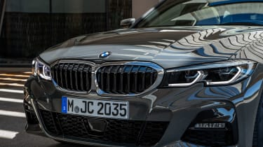 2019 BMW 3 Series Touring - front close up