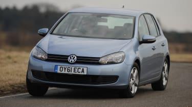 Volkswagen Golf - front 3/4 view