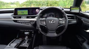 Lexus ES saloon interior