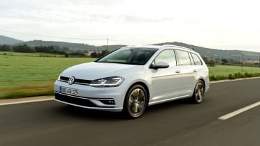 The handling of the Golf estate is neat and tidy, although you can feel the extra weight compared to the hatchback