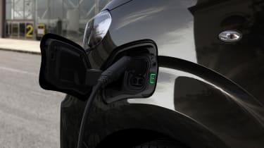 Peugeot e-Traveller charging port