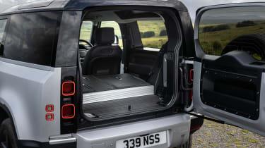 2020 Land Rover Defender 90 - rear hatch