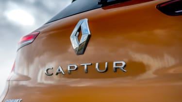 Renault Captur SUV boot badge