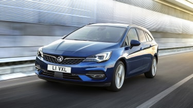 2019 Vauxhall Astra estate - front 3/4 dynamic