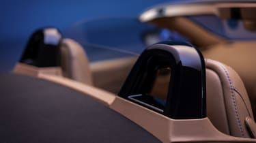 2020 Aston Martin Vantage Roadster - rear roll-over bars