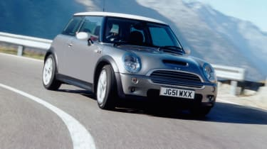 2001 Mini Cooper S - front O/S tracking