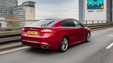 Ford Mondeo hatchback rear 3/4 tracking