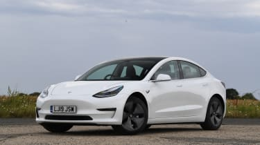 Tesla Model 3 - front 3/4 view static