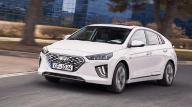Hyundai Ioniq Hybrid front 3/4 driving