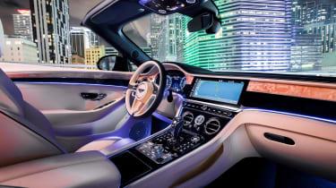 Bentley Continental GT V8 convertible interior