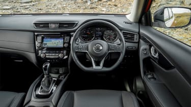 Nissan X-Trail - interior