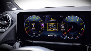Mercedes-AMG GLA 35 dials in yellow