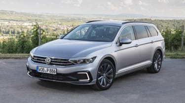 Volkswagen Passat Estate front 3/4 static