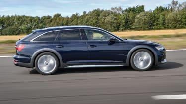 Audi A6 Allroad quattro estate side panning