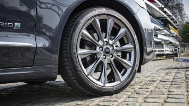 Ford Mondeo Estate alloy wheels