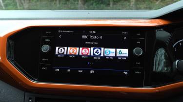 Volkswagen T-Cross SUV DAB radio