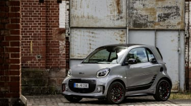 Smart EQ ForTwo - static front 3/4 view