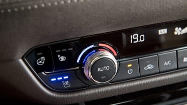 Mazda6 Tourer heater controls