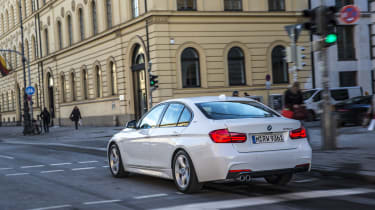 The effect is also felt when overtaking, where it adds to the muscular feel of the car.