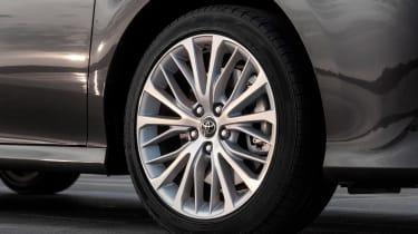 Toyota Camry saloon alloy wheels