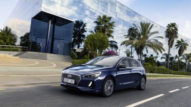 All i30s come with a DAB radio, all-round electric windows, alloy wheels, LED running lights and Bluetooth connectivity