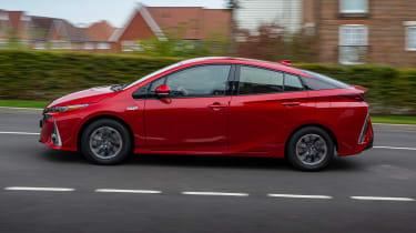 Toyota Prius Plug-in Hybrid hatchback side panning